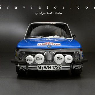 BMW 2002 autoart ماکت
